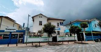 Galapagos Natural Life Hostel - Quito