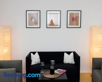 Panoramablick Appartement - traumhaft! - Heppenheim - Living room