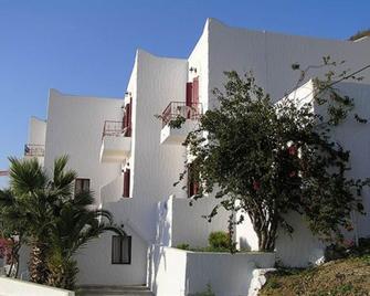 Afroditi Hotel Studios - Masouri - Gebäude