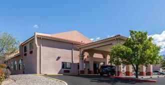 Quality Inn & Suites - Alburquerque - Edificio