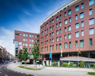 Park Inn by Radisson Stuttgart - Штутгарт - Building