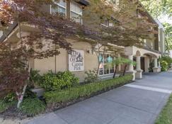 Inn Off Capitol Park Ascend Hotel Collection - Sacramento - Bina