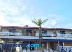Yellow Moon Guesthouse & Apartments - San Andrés - Building