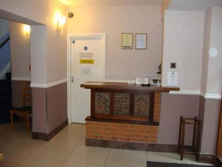 Gainsborough Lodge - Horley - Front desk