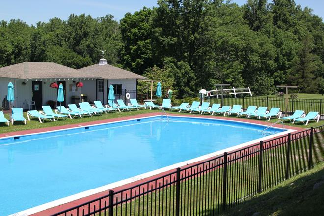 Wolf Hollow At The Water Gap Country Club - Delaware Water Gap - Pool