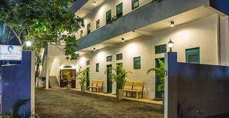 Colombo Beach Hostel - Dehiwala-Mount Lavinia - Building
