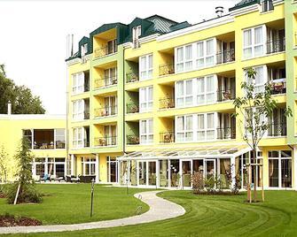 Parkhotel - Bad Schallerbach - Building