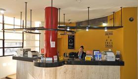 Hotel Tres Cruces - Montevideo - Recepción