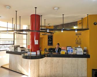 Hotel Tres Cruces - Montevideo - Front desk