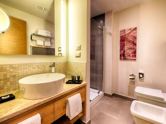 Nyx Hotel Milan By Leonardo Hotels - Milan - Bathroom