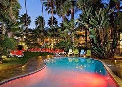 Ocean Palms Beach Resort - קרלסבאד - בריכה