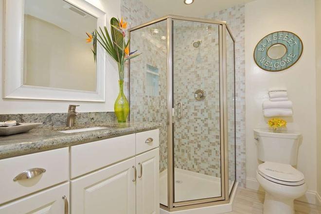 Ocean Palms Beach Resort - Carlsbad - Bathroom