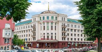 Crowne Plaza Minsk - Minsk - Building