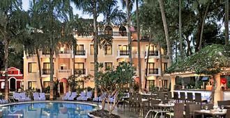 Phoenix Park Inn Resort - Candolim - Pool