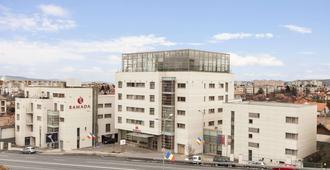 克盧日華美達酒店 - 克路治 - 克盧日-納波卡 - 建築