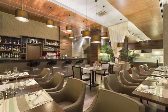 克盧日華美達酒店 - 克路治 - 克盧日-納波卡 - 酒吧