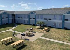 Days Inn by Wyndham Rockport Texas - Rockport - Rakennus