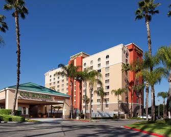 Courtyard by Marriott Los Angeles Baldwin Park - Baldwin Park - Gebäude