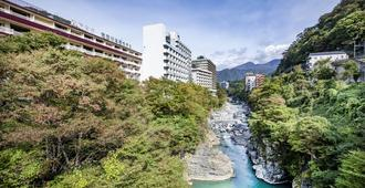 Kinugawa Onsen Hotel - Nikkō - Cảnh ngoài trời