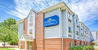 Microtel Inn & Suites by Wyndham Newport News Airport - Ньюпорт-Ньюс
