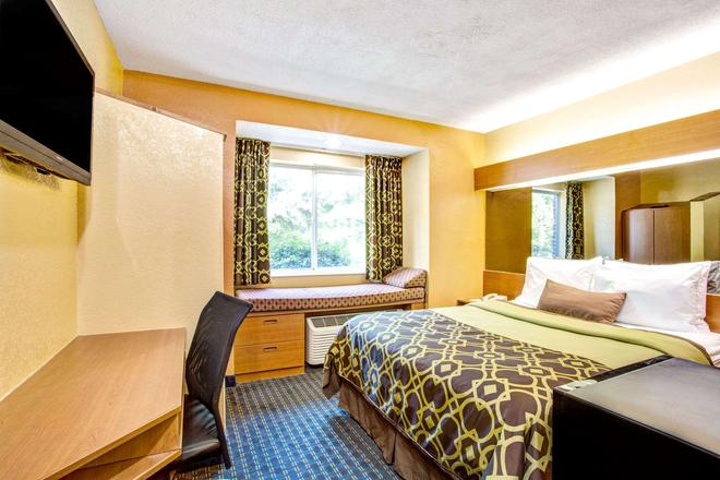 Microtel Inn & Suites by Wyndham Newport News Airport - Newport News - Makuuhuone