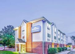 Microtel Inn & Suites by Wyndham Newport News Airport - Newport News - Κτίριο
