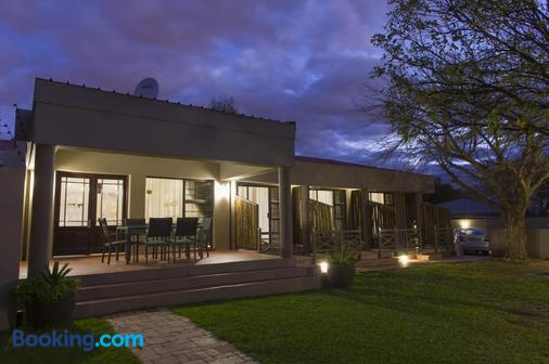 The Suburban - Bloemfontein - Building