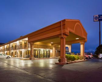 Best Western Coachlight - Rolla - Building