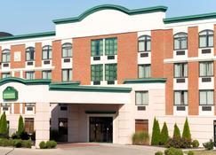 Wingate by Wyndham Dayton - Fairborn - Fairborn - Building
