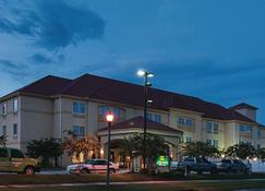La Quinta Inn & Suites by Wyndham Slidell - North Shore Area - Slidell - Edifício