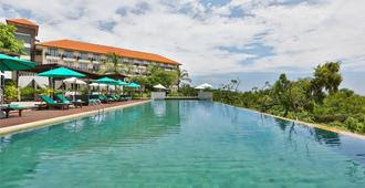New Kuta Hotel - South Kuta - Pool