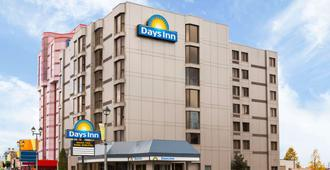 Days Inn by Wyndham Niagara Falls Near The Falls - Niagarafallene - Bygning