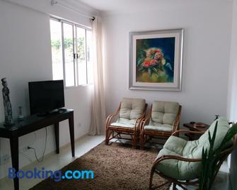 Antonia Haddad - Lorena - Living room