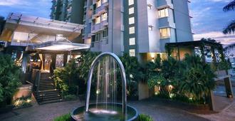 Golden Tulip Balikpapan Hotel & Suites - Balikpapan