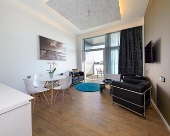 Living Suites - Копенгаген - Living room