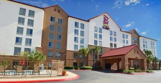 Red Roof Inn Plus+ San Antonio Downtown - Riverwalk - San Antonio - Rakennus