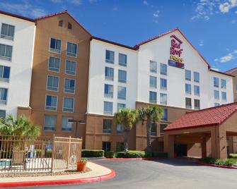 Red Roof Inn Plus+ San Antonio Downtown - Riverwalk - San Antonio - Building