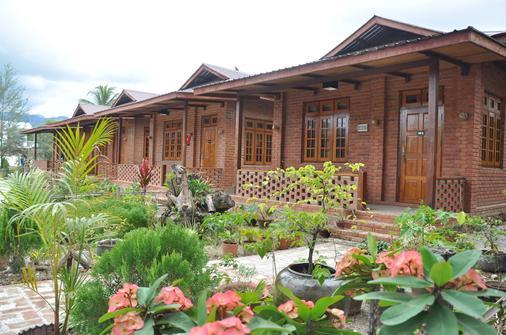 Trinity Family Inn - Nyaungshwe - Rakennus
