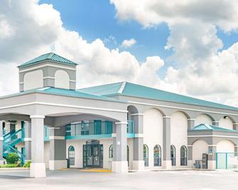 Super 8 by Wyndham Murfreesboro - Murfreesboro - Building