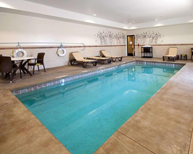 Sleep Inn & Suites - Carlsbad - Uima-allas