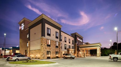 Best Western PLUS Ardmore Inn & Suites - Ardmore - Toà nhà