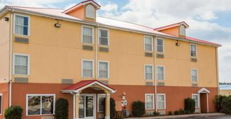 SureStay Plus Hotel by Best Western Chattanooga - Chattanooga - Edificio