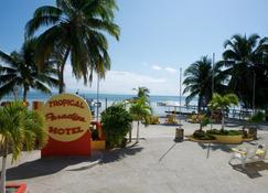 Tropical Paradise Hotel - Caye Caulker - Outdoors view
