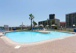 Saida Towers by Padre Island Rentals - South Padre Island - Pool
