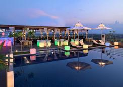 Radisson Blu Jaipur - Jaipur - Bể bơi