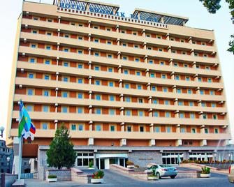 Shodlik Palace - Tashkent - Building