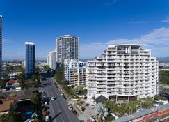 Broadbeach Savannah Resort - Broadbeach - Building