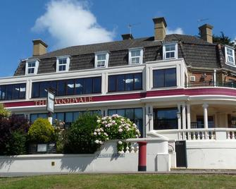 The Woodvale - Cowes - Building