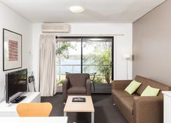 Majestic Oasis Apartments - Port Augusta - Huiskamer
