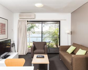 Majestic Oasis Apartments - Port Augusta - Wohnzimmer
